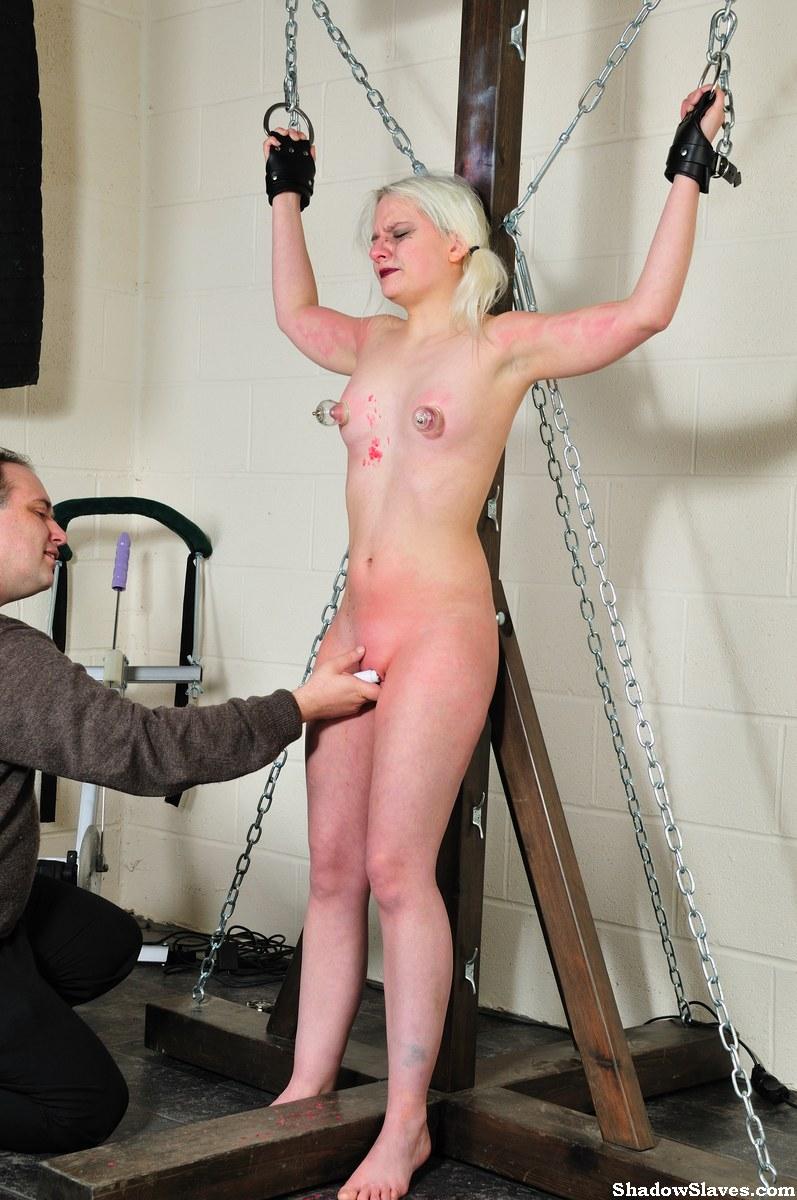 Teen slavegirl nude