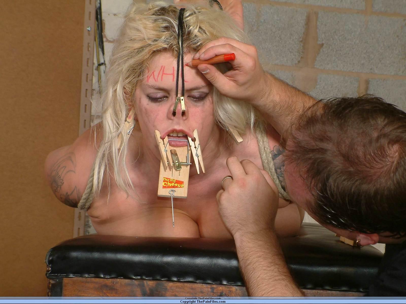 facial humiliation bdsm Nose