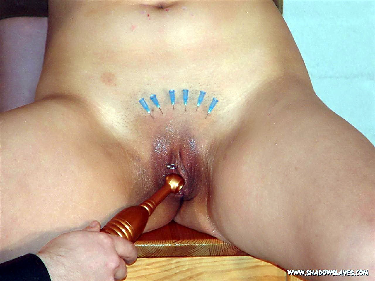 Want lick pussy pain bdsm skin color