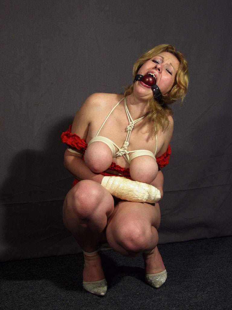 Slave with her big tits tied together got - XVIDEOSCOM