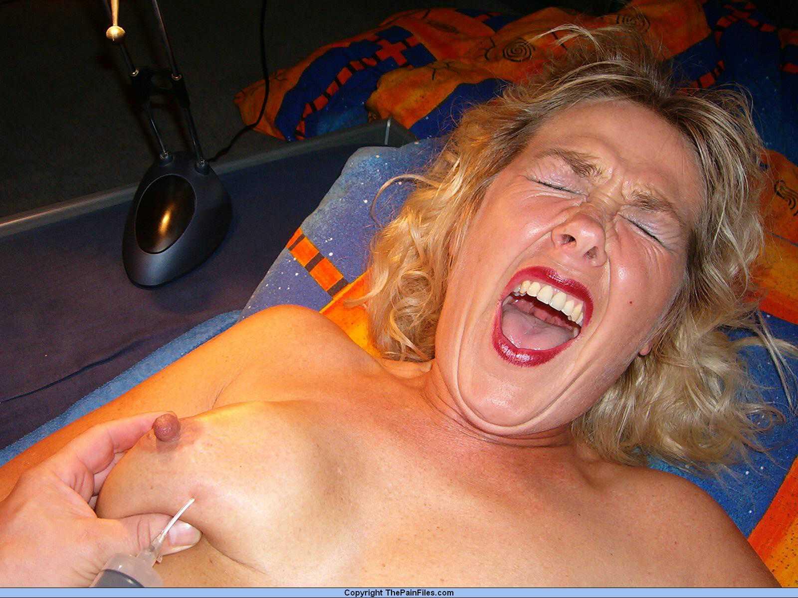 Пытка шприцами бдсм 16 фотография