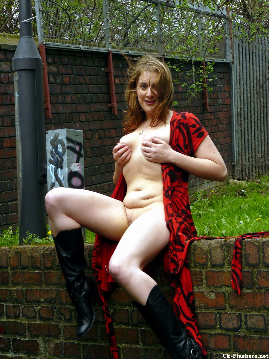 free outdoor amateur upskirt nude