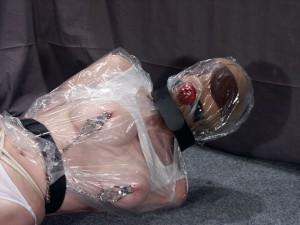mummified-lesbian-bondage-13