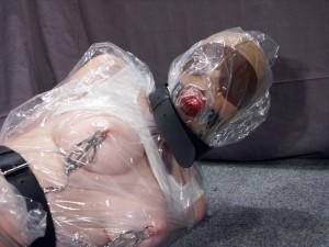 mummified-lesbian-bondage-15